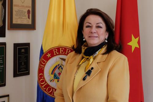 R0213-Entrevista-Embajadora-de-Colombia-ChinoLatin-(foto-r1)b